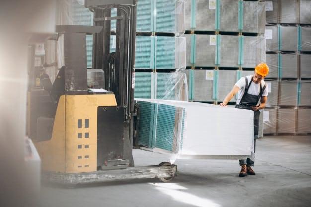 Ventajas de usar palets de plástico para el transporte de mercancías