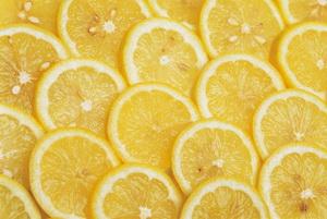 ¿Tu cuerpo es demasiado ácido? comer alimentos alcalinos como limones