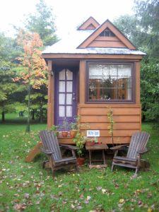 pequeña cabaña en casa, de tinyhousesswoon
