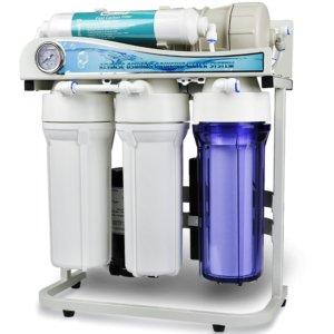 complejo de reemplazo de filtro de agua debajo del fregadero