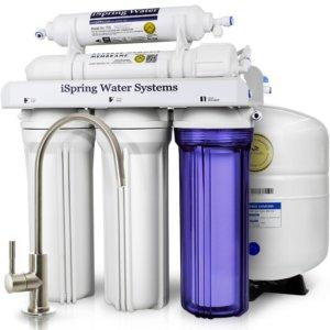 Reemplazo del filtro de agua debajo del fregadero de ósmosis inversa