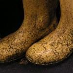 sin zapatos en la casa - prohibir las botas embarradas