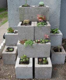 jardinera de bloques de hormigón simple